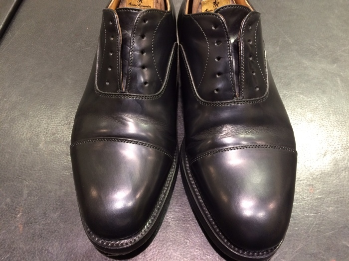 黒い靴は光沢が命 ガラスレザー編_b0226322_20572201.jpg