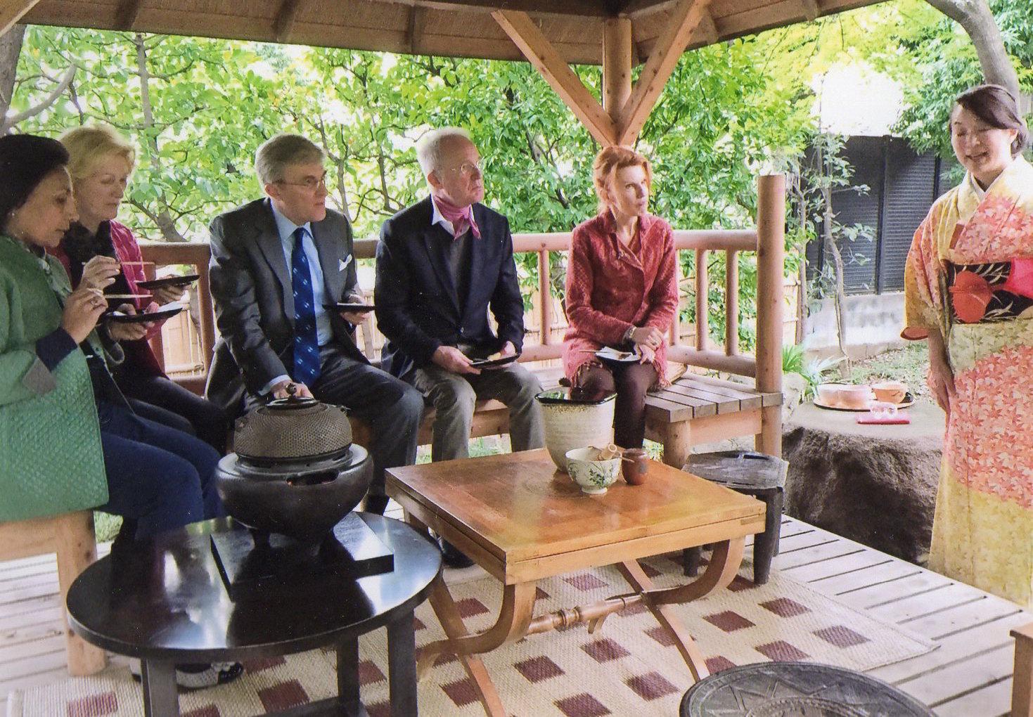 オーストリア大使公邸にてお茶会_d0334837_14345287.jpg