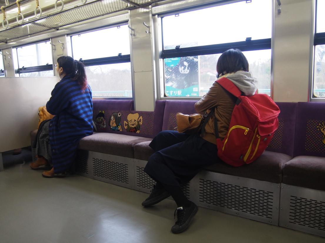 「ゲゲゲ」のJR境線、妖怪列車の撮り鉄女子と外国人ブロガー来訪の噂_b0235153_14394566.jpg