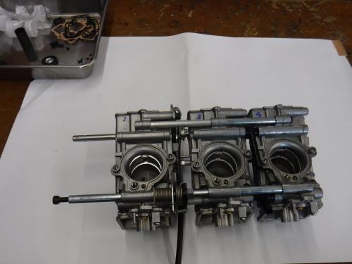 ZRX1100・・・FCRキャブにTPS装着。その2_a0163159_22500459.jpg