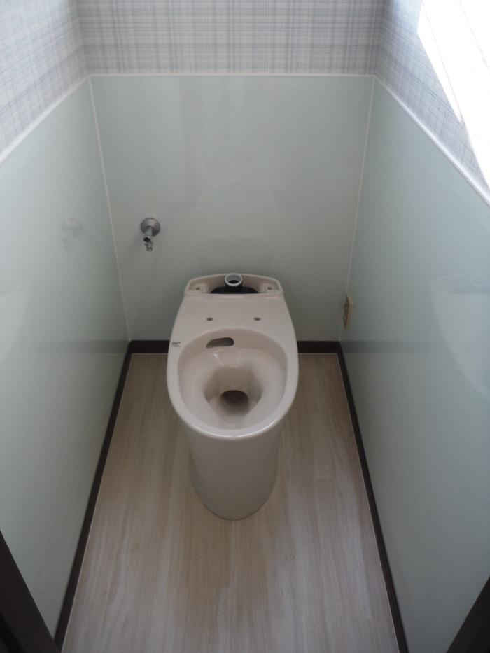 トイレと窓のリフォーム ~ トイレ完成_d0165368_5443068.jpg