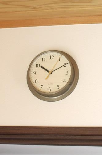 掛け時計のムーブメントを自分で交換して、使い続ける。_c0110869_11105463.jpg