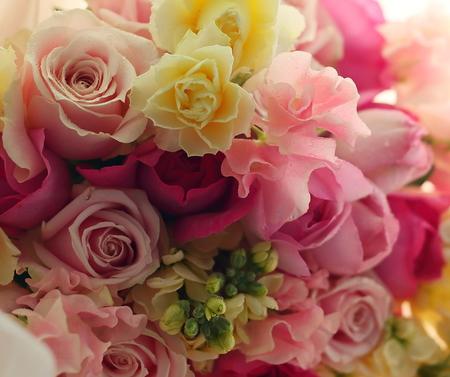3年前の花嫁様から、お母様への誕生日の花 _a0042928_1234670.jpg