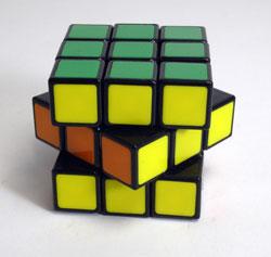 40年ぶりにルービックキューブを完成させた_d0130640_1910439.jpg