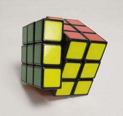 40年ぶりにルービックキューブを完成させた_d0130640_1914123.jpg