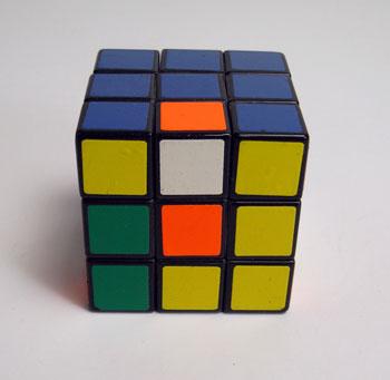 40年ぶりにルービックキューブを完成させた_d0130640_20221327.jpg