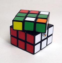 40年ぶりにルービックキューブを完成させた_d0130640_2024393.jpg