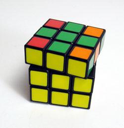40年ぶりにルービックキューブを完成させた_d0130640_2031297.jpg