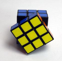 40年ぶりにルービックキューブを完成させた_d0130640_20363264.jpg