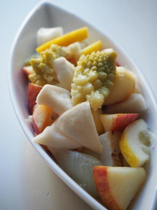 白い野菜のレモン漬け_e0148373_23205835.jpg
