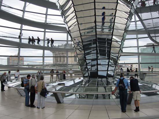 ノーマン・フォスター 「都市と建築のイノベーション」_b0074416_23115557.jpg