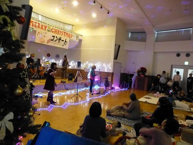 12月18日、久山療育園、東医療センターで、クリスマスライブでした♪_e0188087_16232623.jpg
