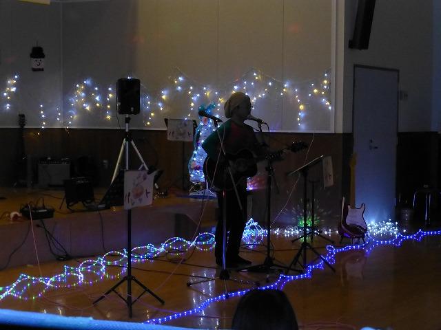 12月18日、久山療育園、東医療センターで、クリスマスライブでした♪_e0188087_16293810.jpg