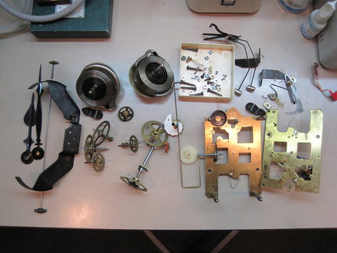 大型ゼンマイ式時計の修理を行いました_a0151444_17494762.jpg