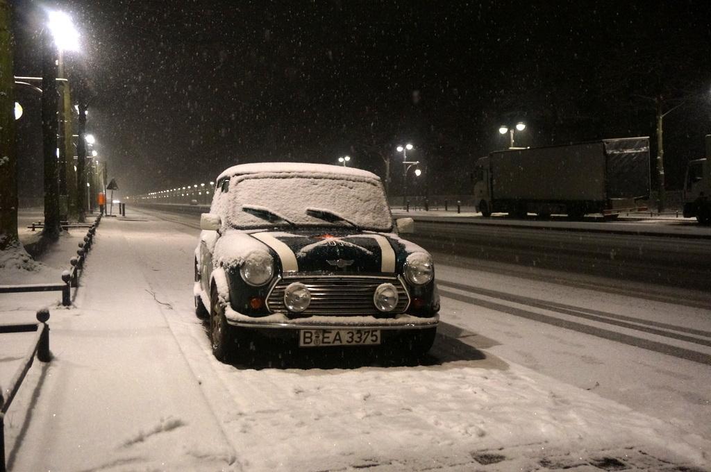 夜中の雪。_c0180686_17211298.jpg