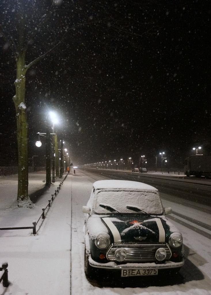 夜中の雪。_c0180686_17211899.jpg