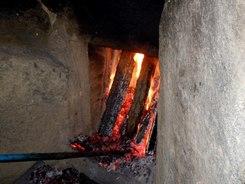 さあ、炭焼きだ!! ~2日目、窯焚きを終えて~_b0102572_18210100.jpg