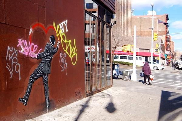 ニューヨーク、ロウワー・イーストの風情たっぷりな街角風景_b0007805_1129220.jpg