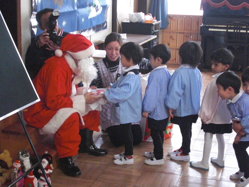 クリスマスパーティーを行いました。_f0227821_16135416.jpg