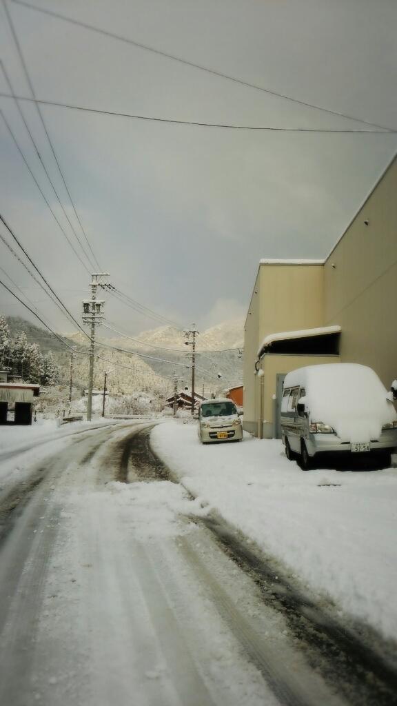 初雪_a0272042_12342860.jpg