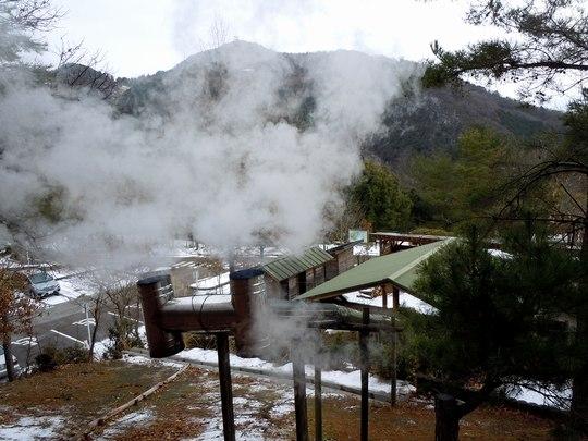 雪景色を見ながらくどさしを終える ~炭焼、3~5日目~_b0102572_1813696.jpg