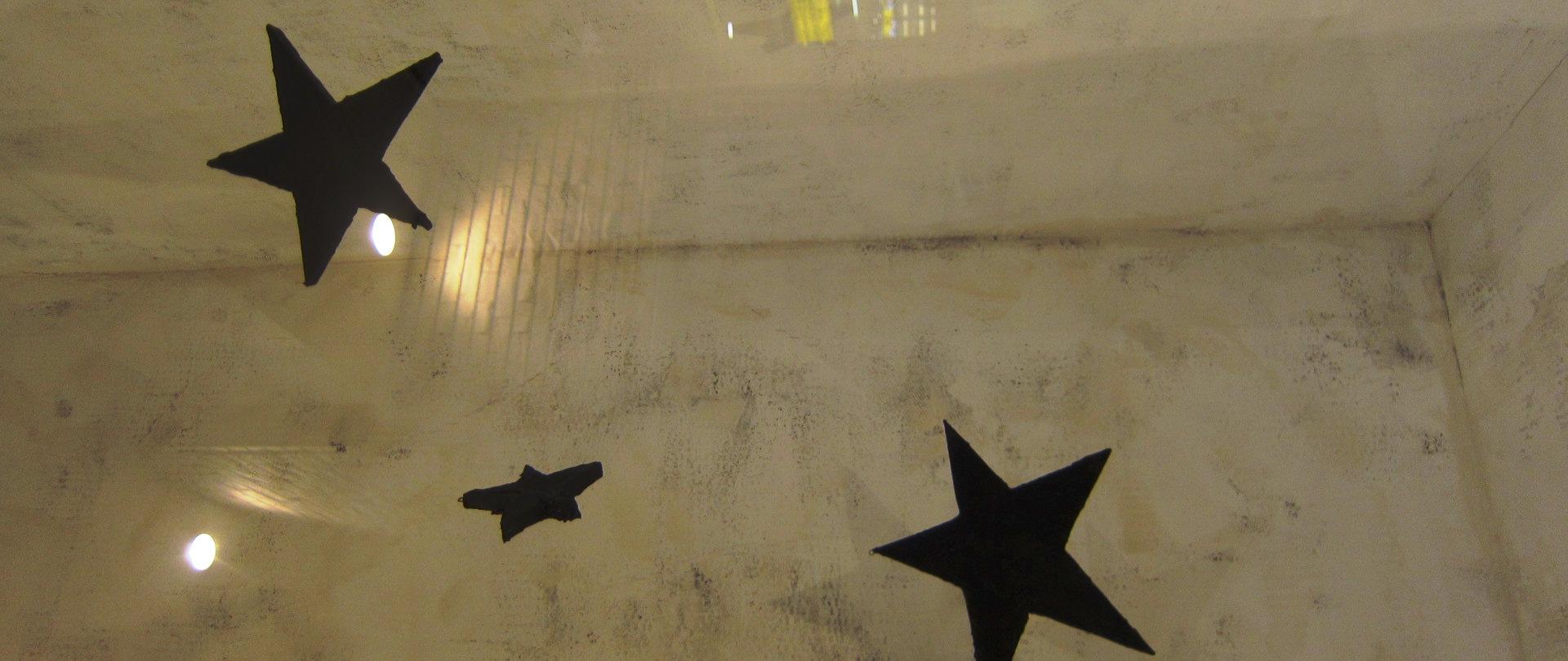 2485)「経塚真代造形作家)[見ているのか 見られているのか]」JRタワーARTBOX 12月1日(火)~2月29日(月_f0126829_13254725.jpg