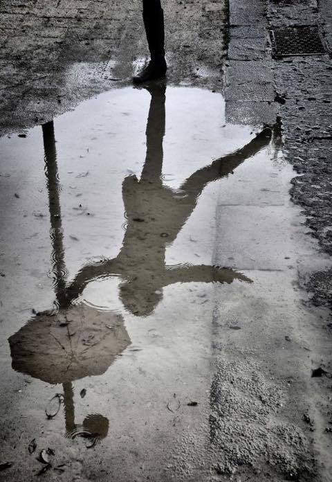 雨の日はやり過ごす_a0037910_12202632.jpg