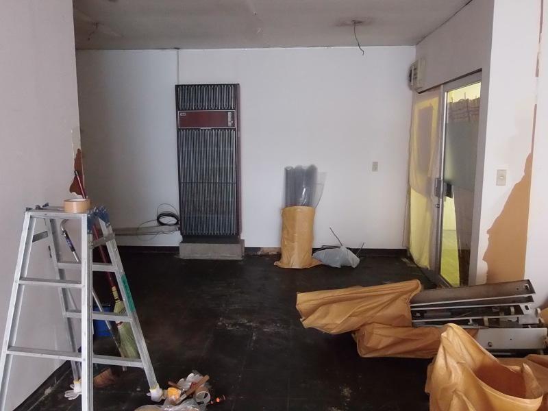 床、全て剥ぎました。_a0125419_18525077.jpg