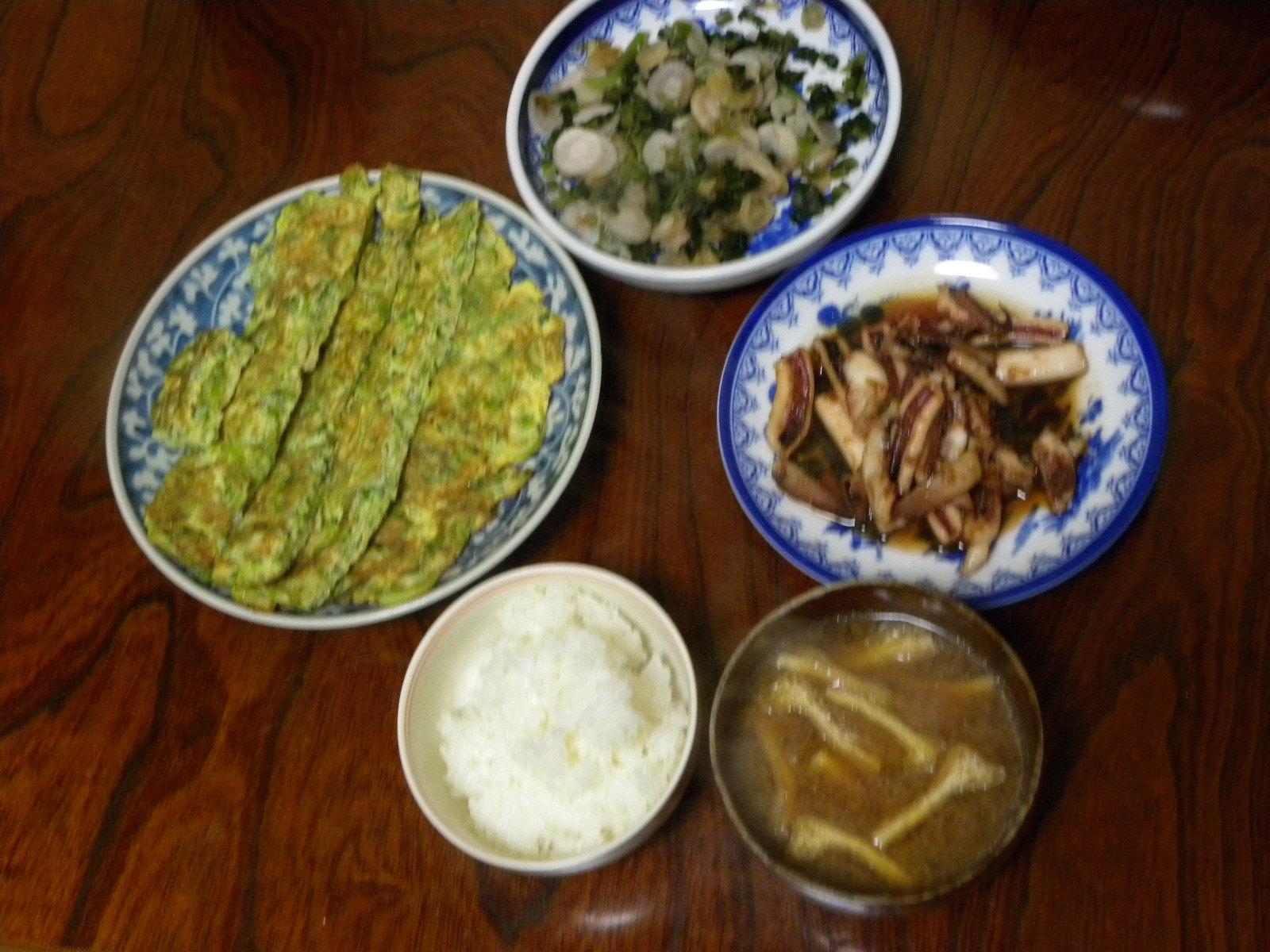 ネギたっぷり卵焼きとイカの生姜焼き定食_c0162773_13132608.jpg