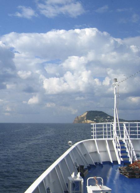 イスキア島1. 名画の舞台と、ドイツ人に愛される島_f0205783_16482028.jpg