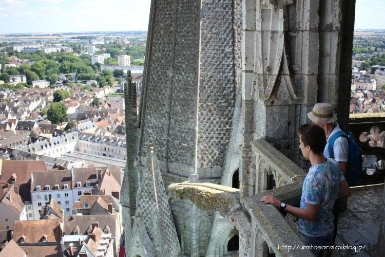 シャルトル大聖堂から眺める @フランス_b0324291_09323675.jpg
