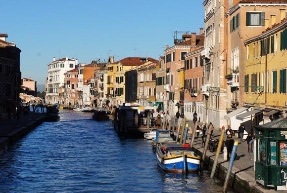 ヴェネツィアの風景_f0106597_23490159.jpg