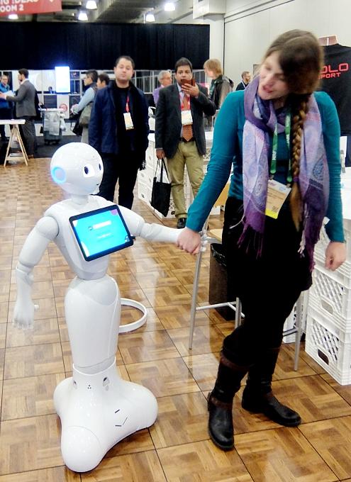 感情認識ロボットのペッパーくんがNY上陸 #PepperRobot_b0007805_3122010.jpg
