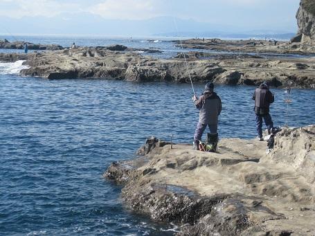 ★江の島だぁー!黒鯛だぁー!サザエ・ハマグリ焼き・シラス丼★_e0147297_1727109.jpg