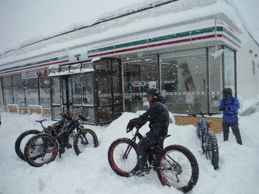 ファットバイクで雪遊び 2016 _c0132901_1835226.jpg