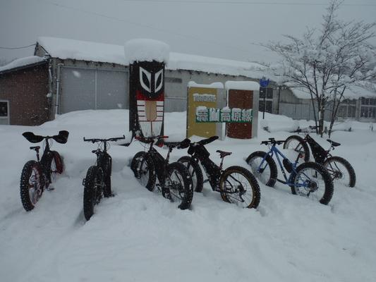 ファットバイクで雪遊び 2016 _c0132901_1836244.jpg