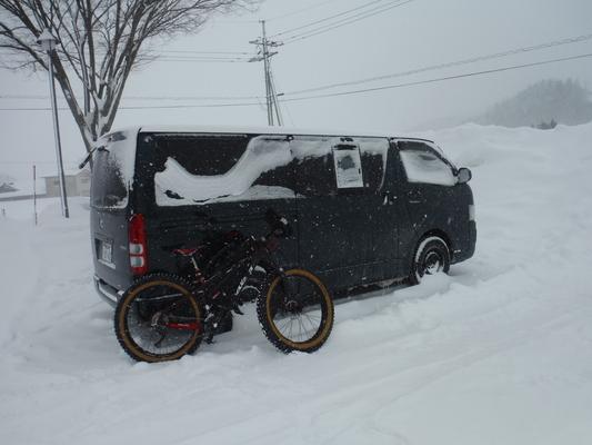ファットバイクで雪遊び 2016 _c0132901_18372926.jpg