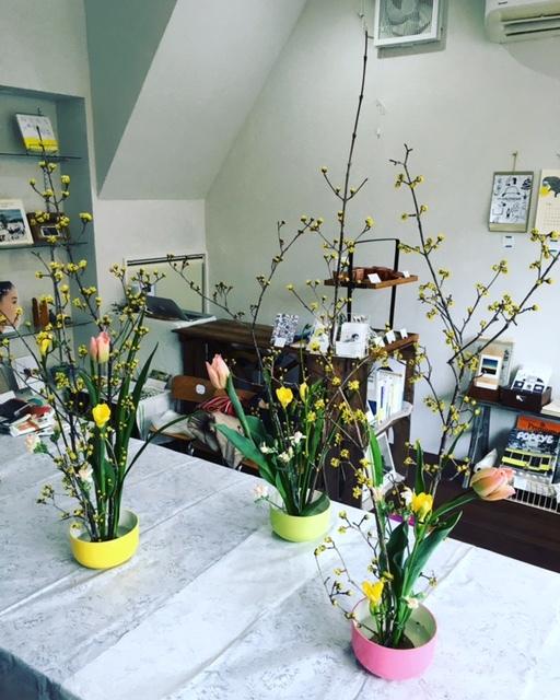 ワークショップ「春のお花でミニチュアいけばな」開催_c0328441_17514283.jpg