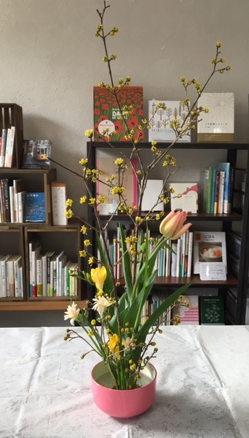 ワークショップ「春のお花でミニチュアいけばな」開催_c0328441_18194084.jpg