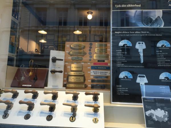 コペンハーゲン レポ  shop_d0158258_08335827.jpg