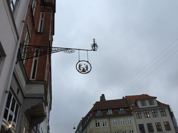 コペンハーゲン  レポ  看板_d0158258_08424426.jpg
