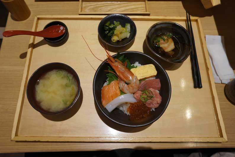 海鮮丼続き_b0057679_823757.jpg