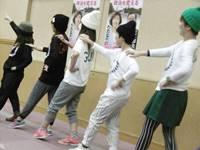 歌あり、ダンスあり、演奏あり―、参院選勝利の決意固めた新春のつどいでした_c0133503_1110438.jpg