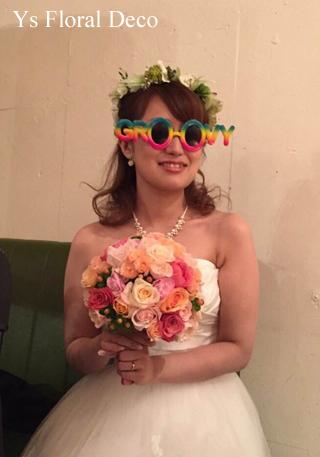 サーモンピンクのドレスにあわせる生花ブーケとアーティフィシャル花冠 _b0113510_1628985.jpg