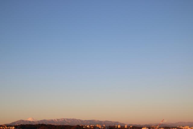 今朝の惜しい月。_f0348831_22120071.jpg