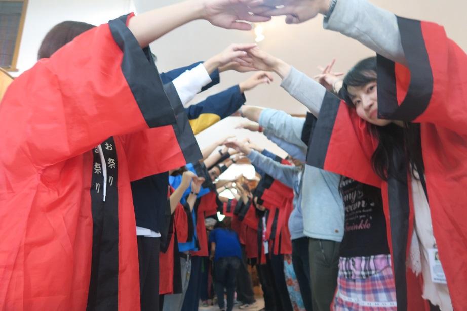 バギオ市で「書き初め大会」: 今年は一般にも公開で大盛況_a0109542_1459379.jpg