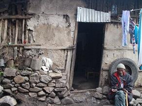 エチオピアの地ビールというか泥水?タッラに挑戦してみよう_c0030645_19222234.jpg