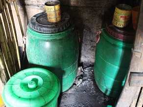 エチオピアの地ビールというか泥水?タッラに挑戦してみよう_c0030645_19231685.jpg