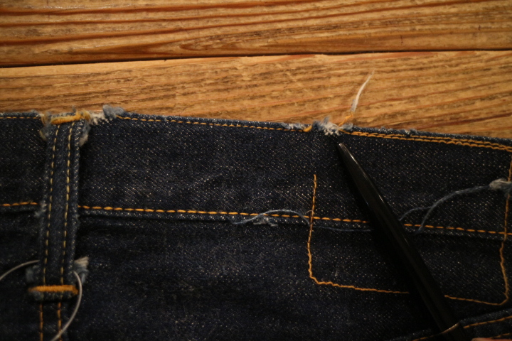 "【NEW ARRIVAL】-Vintage LEVI\'S 501ZXX ""Leather Patch\""-_b0121563_19104753.jpg"