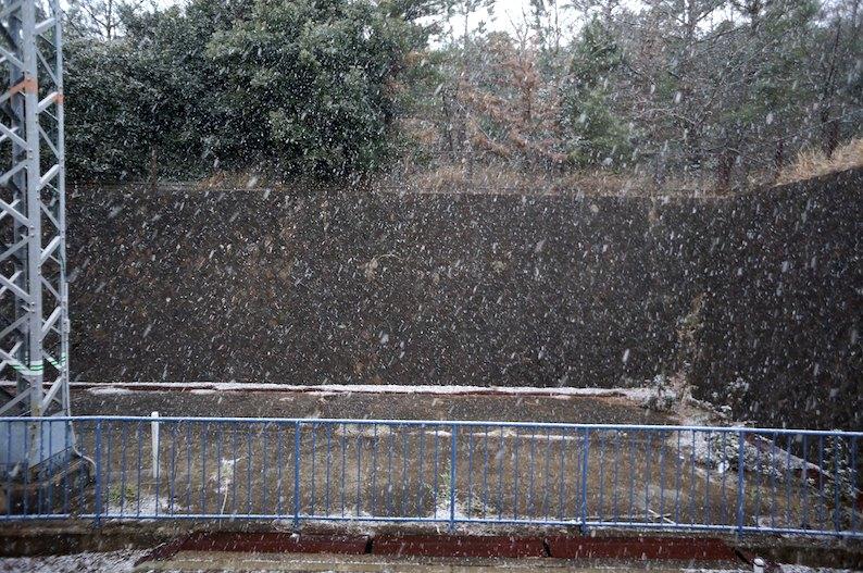 雪が降る〜_b0057679_928333.jpg
